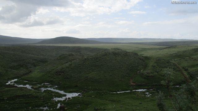 Olmoti Crater