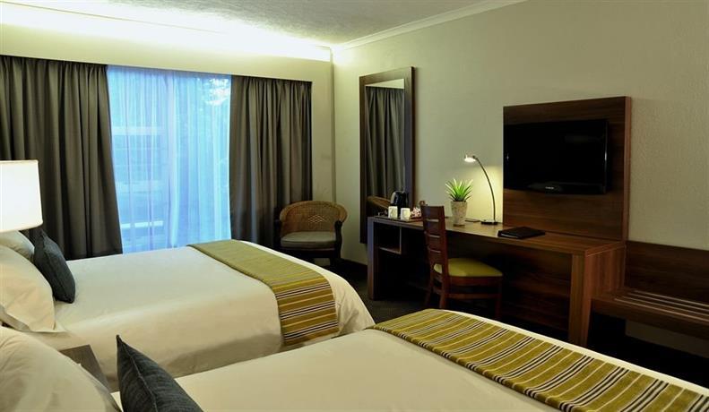 Anew Hotel Hluhluwe & Safaris