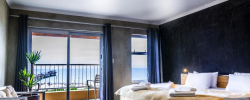 A La Mer Hotel