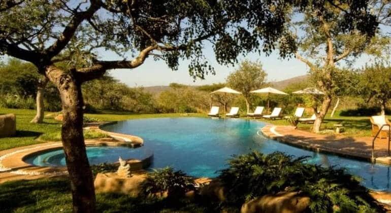 Villa-Izulu-Pool-770x420.jpg