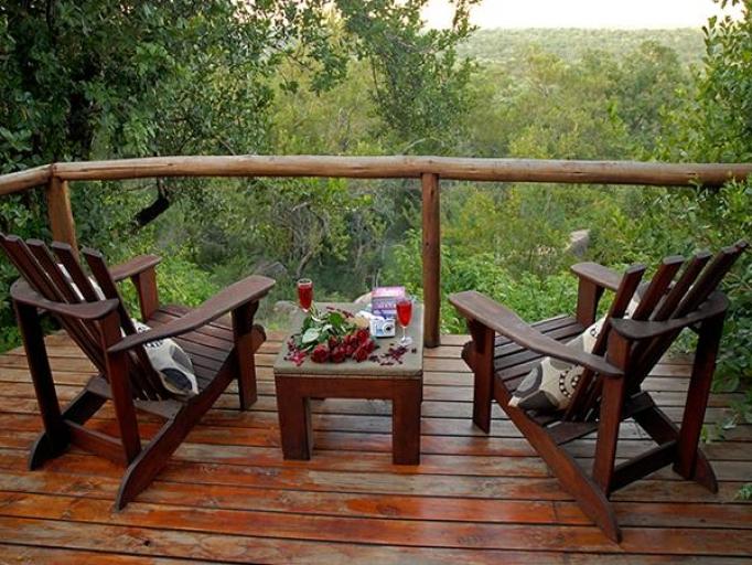 03 Days Manyatta Rock Camp Safari